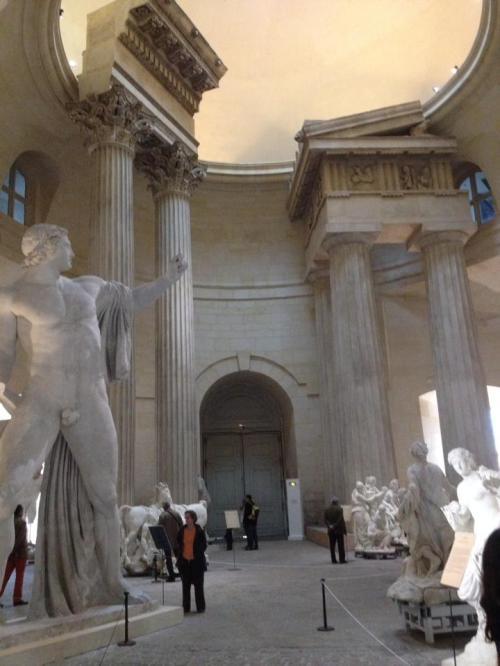 statues louvre 1